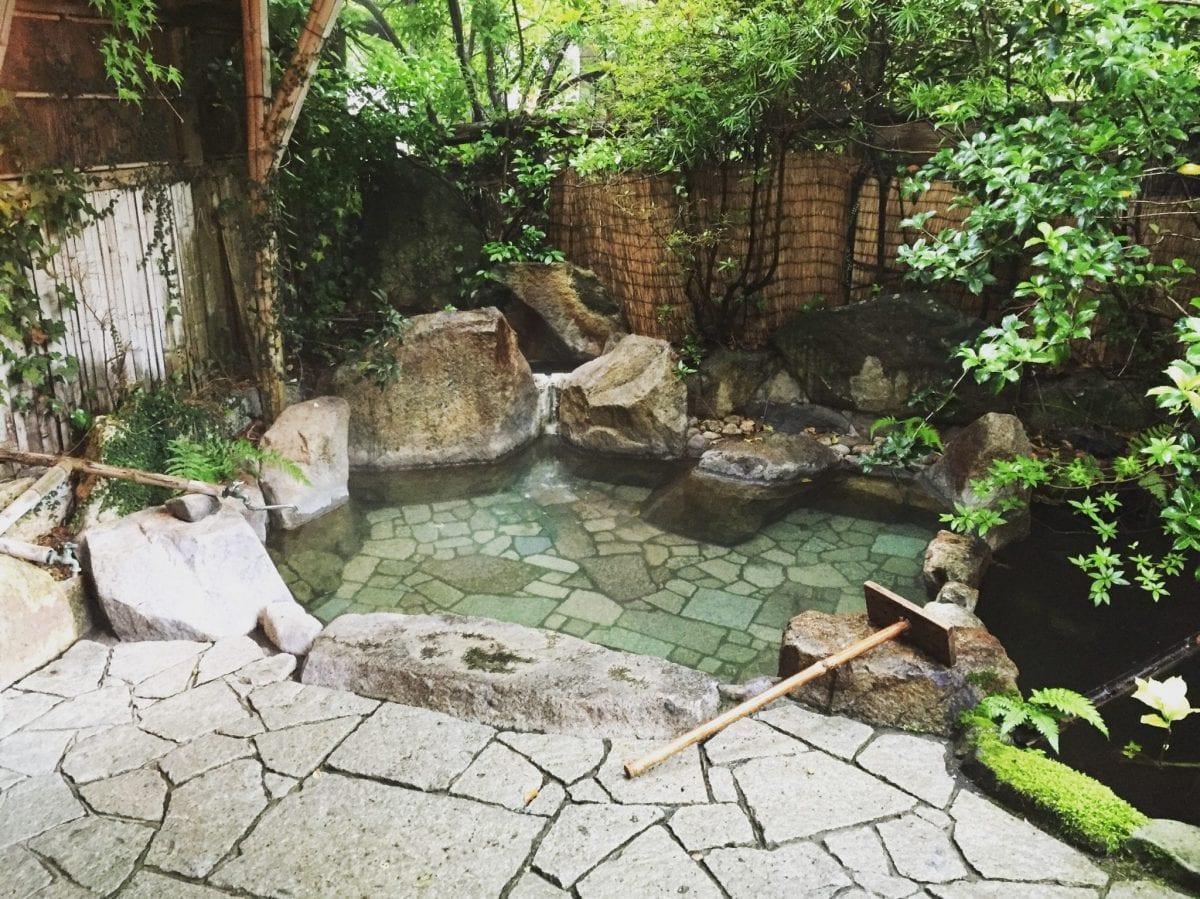 The amazing onsen at my ryokan in Yunomine