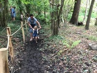 Wonderweekend - bare feet in the mud