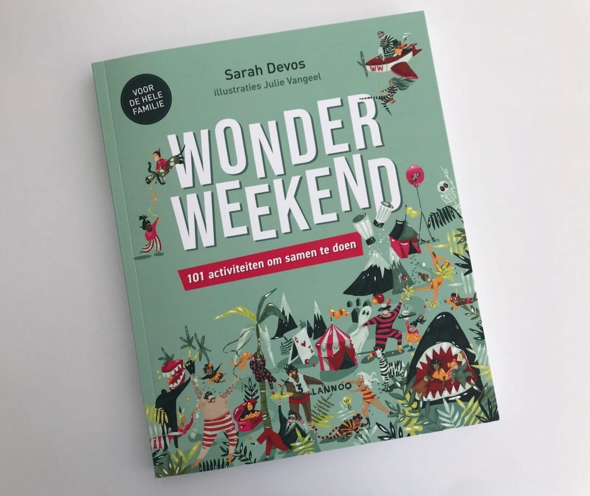 Wonderweekend book with tips and ideas for remarkable weekends