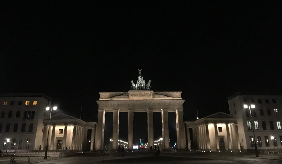 Berlin's Brandenburger Tor by night
