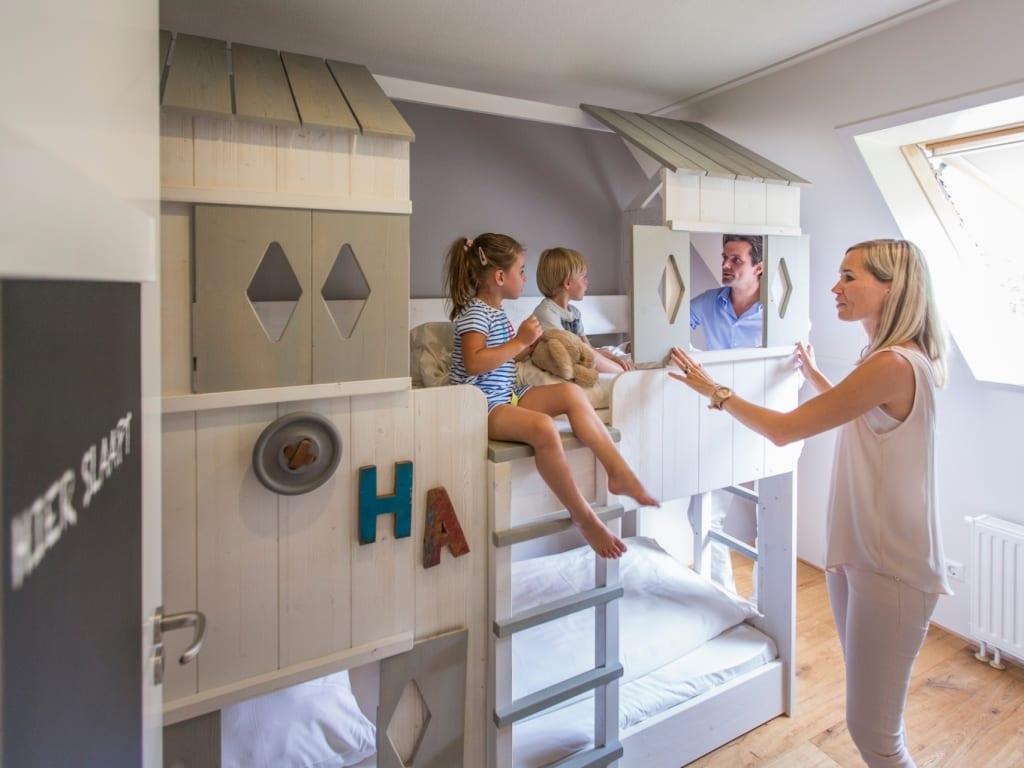 Kids beds in kid bedrooms (Photo by Hof van Saksen)